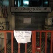 Gossos morts i cadells malalts: aquest és l'infern que vivien els animals a la botiga 'Ladridos'